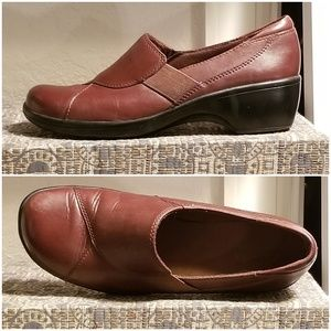 Clarks brown leather loafers size 6.5